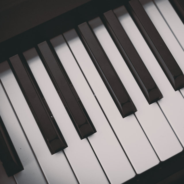 30 Beautiful Piano Love Songs by Relaxing Music Therapy on TIDAL