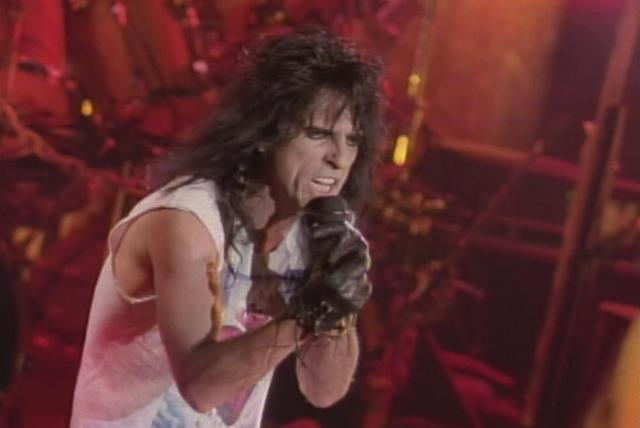 House of Fire (from Alice Cooper: Trashes The World)