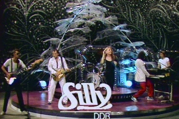TIDAL: Watch Tanzt keiner Boogie? (Ein Kessel Buntes 29.08.1981 ...