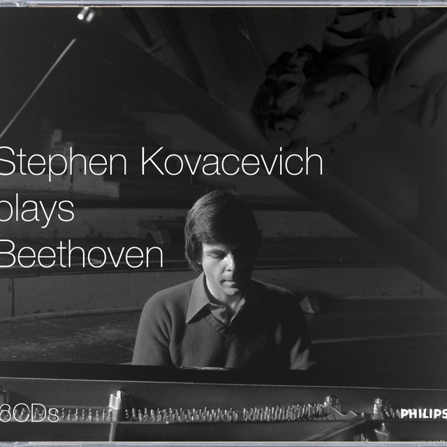 Stephen Kovacevich plays Beethoven