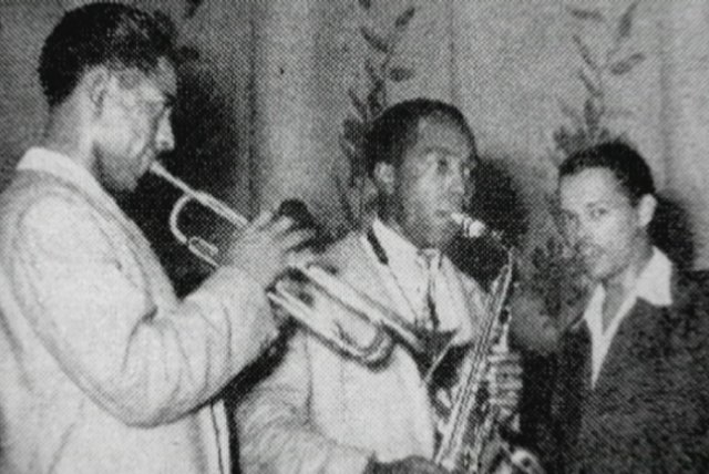 Meeting Charlie Parker and Dizzy Gillespie (from The Miles Davis Story)