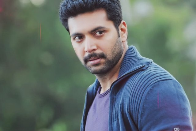 Thani Oruvan (Lyric Video)
